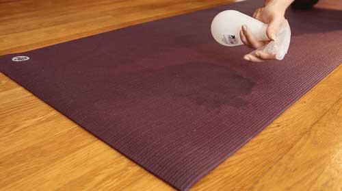 Tappetini Yoga: come e quando occorre lavarli?
